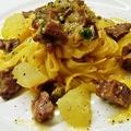 料理メニュー写真マグロホホ肉の白ワインラグー タリアテッレ