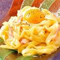 料理メニュー写真生パスタのカルボナーラ
