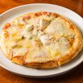 料理メニュー写真チーズピザ