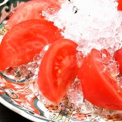 冷しトマト(フルーツトマト、または完熟トマト)