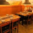 各種宴会にも使いやすい、8名テーブル席。各テーブルに換気システムがあるため空気も綺麗♪