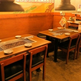 各種宴会にも使いやすい、8名テーブル席