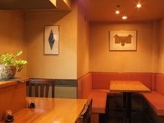 最大6名様まで御利用頂けるテーブル席。大切な方や気の置けない仲間とのお食事におすすめです。