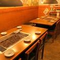 春は、歓送迎会。冬は忘新年会にも使える広々テーブル席。各テーブルに換気システムがあるため空気も綺麗♪
