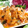 料理メニュー写真一押し肉料理☆たっぷりトマトソースのチキングリル☆
