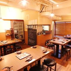 博多もつ鍋と馬肉のお店 モッツマン 大宮店の雰囲気1