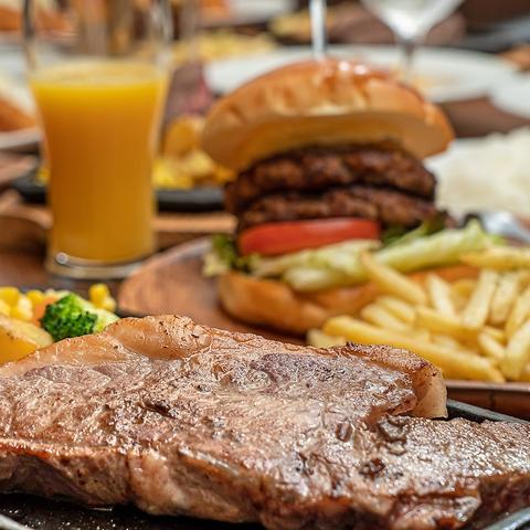 八尾リノアス8FにNEW OPEN★おしゃれな店内でハンバーガーやステーキが楽しめる♪