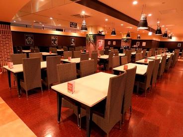 ワールドビュッフェ ザザシティ浜松店の雰囲気1