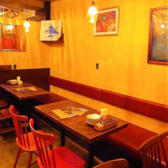 最大25名のテーブル席は各種宴会におすすめです。カーテンを閉めれば個室に変わります。テーブルをつなげれば40名様まで使用可能です。