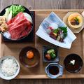 料理メニュー写真【万葉御膳 ーすき焼き御膳ー】小鉢、旬のお造り、神戸牛のすき焼きなど全7品