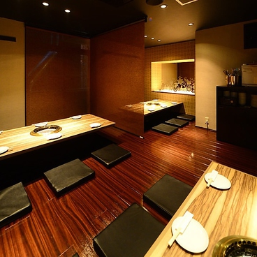 焼肉 GYUJIN 大曽根店の雰囲気1
