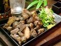 料理メニュー写真鶏のゴロゴロ炭火焼
