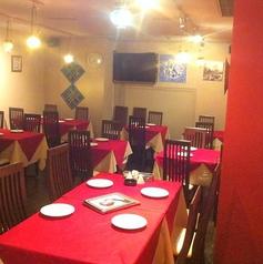 トルコのランプが放つ光の中で仲間や友達、恋人と素敵な時間をお過ごしください。オフ会やミニ宴会、お食事会にも最適