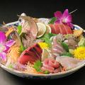 料理メニュー写真獲れたて鮮魚のお造り7点