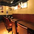 横並びのテーブル席は各種パーティーにご利用いただけます。