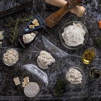 ランチは北海道フレッシュチーズと生はちみつが食べ放題