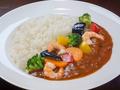料理メニュー写真エビと野菜のカレー