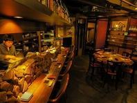 落ち着いた雰囲気の飯処。大人が満足する空間とお料理…