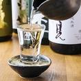 自慢の新鮮魚介の炉端焼きを始めとした美味しい和食料理の数々とご一緒にお楽しみいただけるお飲み物も種類豊富にご用意致しております!和食との相性抜群の日本酒・焼酎にはこだわりの地酒が、また、宴会の乾杯には欠かせないビールやさっぱりと飲めるチューハイ・サワー、女子会・ママ会におすすめのカクテルなど多数!