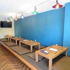 テーブルのレイアウトが変更できますので、人数に応じて配置を変えられます。会社宴会やご家族でのご利用時におすすめです。飲み放題コースがあるので歓送迎会はもちろん、プライベートでのご利用にも◎落ち着いた空間でおいしいお料理をご堪能ください!