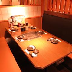 6名様~のIH付きテーブル席♪当店では各種宴会に最適なお席をご案内いたします。仕事帰りなどにもお気軽にお立ち寄りください!