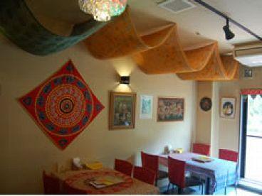 スラージ SURAJ 天神本店 インド料理の雰囲気1