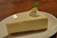 はちみつとレモンのレアチーズケーキ