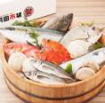 おすすめ .どこよりも早く、高い鮮度で! 魚はほかの食べ物に比べて、鮮度による価値が大きく変わります。 超速鮮魚は羽田空港直結の鮮魚センターに毎日集荷。だからこそ、日本各地の漁場から新鮮な魚をお届けすることができるのです。