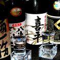 【日本酒と焼酎自慢】もちろん日本酒も充実!「加賀鳶」「八海山」など広く多くのお客様に愛される日本酒をご用意しております。「プレミアム飲み放題」ではこれらのドリンクもご注文いただけます。海鮮料理や焼き鳥など和食に合わせてお楽しみください。