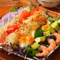 料理メニュー写真ハワイアンローカル・コブサラダ(マウイオニオンドレッシング/リリコイドレッシング)