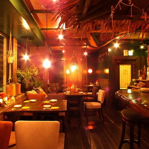 木屋町で人気の本格派沖縄居酒屋☆泡盛も常に10種類以上の品揃え!