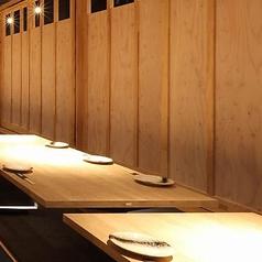 ご宴会向きのこちらの個室はご予約がおすすめです。当店は毎日11:00からお電話にてご予約を受け付けております!また、営業時間外でもネット予約で24時間いつでもご予約いただけます♪ご宴会のご予定が決まりましたら、ぜひ北海道食市場 丸海屋 離 紙屋町店をご利用下さいませ!