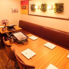 落ち着いた雰囲気の店内でごゆっくりとお食事をお楽しみ頂けます。