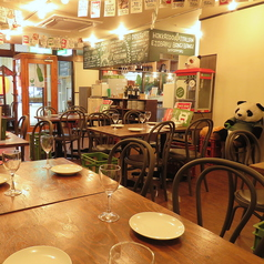 店内中央のテーブル席!北海道イタリアンを楽しみながら活気あふれる店内で素敵なひと時を♪