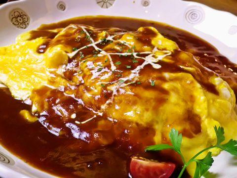 年間100万食突破のとろとろイタリアンオムライスとパスタ&チーズフォンデュ