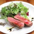料理メニュー写真フランス産鴨ムネ肉のロースト