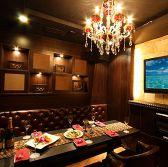 【W-2】シャンデリア煌くVIP個室  ラグジュアリーVIP個室 1ランク上のリゾートをご用意。大切な方と贅沢なひとときを!