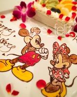 パティシエ特製イラストケーキやドレスケーキ!!