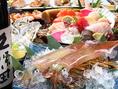 大型水槽には旬な「活」鮮魚がたくさん!!鮮度抜群の海鮮をどうぞ!