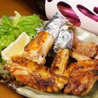 『青森地鶏シャモロック』巨大手羽粗塩焼600円