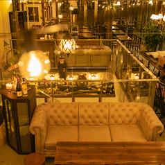 誕生日などのプライベート利用に人気のソファー席は予約必須!お早目のご予約をお待ちしております♪