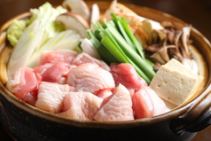 料理メニュー写真特製 鶏塩鍋(金・赤・黒)