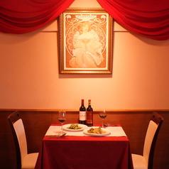 記念日デートなどにお勧めの二人席!お二人見つめ合いながら、素敵なひと時をお過ごしください♪