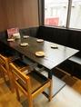 2階テーブル席はダイニング風の雰囲気◎1階とは違ってゆったり寛げる空間です♪