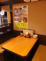 あらゆるシーンで活用できるテーブル席をご用意しております。