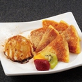 料理メニュー写真ホットックとバニラアイス(黒蜜きな粉かけ)