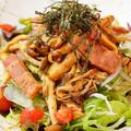 料理メニュー写真茸とベーコンサラダ