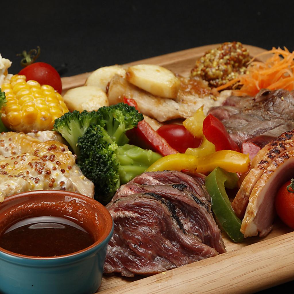 時間無制限 食べ飲み放題 個室×チーズ MEAT&RICH すすきのバル|店舗イメージ9