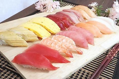 人気の握り寿司や新鮮野菜のサラダなどのビュッフェ♪