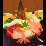 新鮮魚貝を使用した海鮮丼!